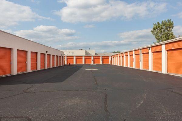 Public Storage - Troy - 1404 E Big Beaver Road 1404 E Big Beaver Road Troy, MI - Photo 1
