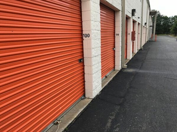 Public Storage - Patchogue - 601 W Sunrise Highway 601 W Sunrise Highway Patchogue, NY - Photo 2