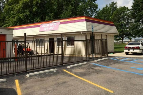 Public Storage - Indianapolis - 5505 Elmwood Ave