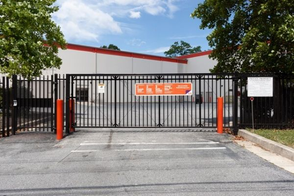 Public Storage - Baltimore - 820 Kent Ave 820 Kent Ave Baltimore, MD - Photo 3
