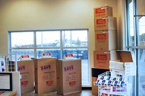 Public Storage - New Castle - 3801 Dupont Parkway 3801 Dupont Parkway New Castle, DE - Photo 2