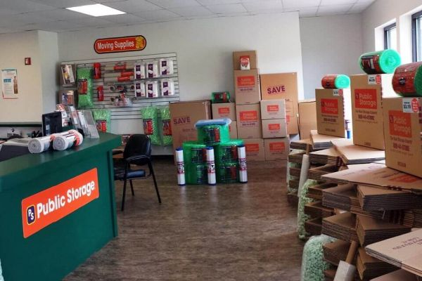 Public Storage - Tonawanda - 105 Hospitality Centre Way 105 Hospitality Centre Way Tonawanda, NY - Photo 2