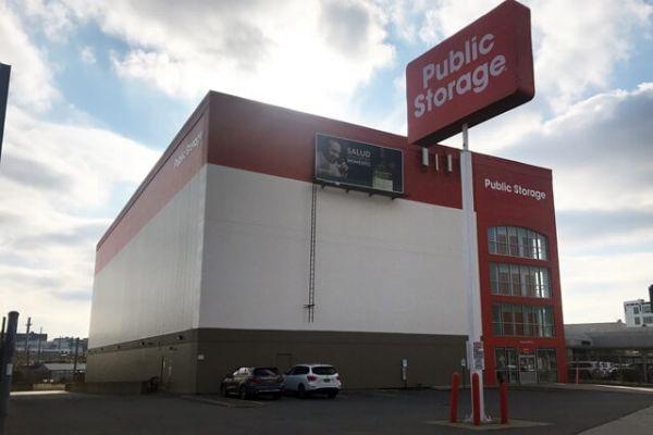 Public Storage - Long Island City - 4102 Northern Blvd 4102 Northern Blvd Long Island City, NY - Photo 0
