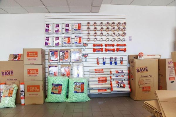 Public Storage - Long Island City - 4102 Northern Blvd 4102 Northern Blvd Long Island City, NY - Photo 2