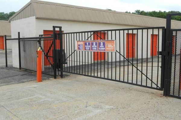 Public Storage - Fairfield - 7353 Dixie Highway 7353 Dixie Highway Fairfield, OH - Photo 3