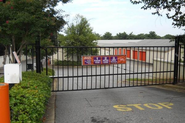 Public Storage - Greenville - 2112 N Pleasantburg Drive 2112 N Pleasantburg Drive Greenville, SC - Photo 3