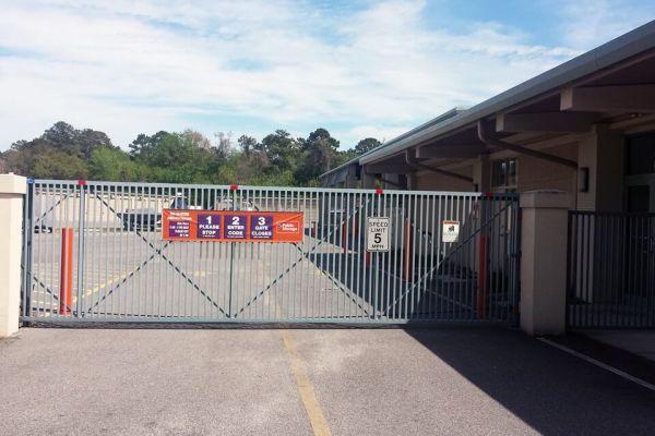 Public Storage - Hilton Head Island - 69 Mathews Dr 69 Mathews Dr Hilton Head Island, SC - Photo 3