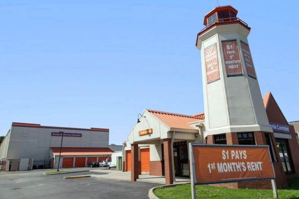 Public Storage - Hempstead - 285 Peninsula Blvd 285 Peninsula Blvd Hempstead, NY - Photo 0