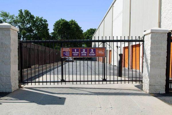 Public Storage - Hempstead - 285 Peninsula Blvd 285 Peninsula Blvd Hempstead, NY - Photo 3