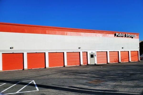Public Storage - Staten Island - 275 Veterans Road W 275 Veterans Road W Staten Island, NY - Photo 1