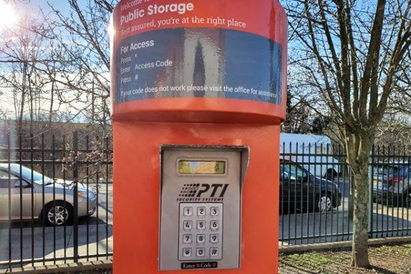 Public Storage - Staten Island - 275 Veterans Road W 275 Veterans Road W Staten Island, NY - Photo 4