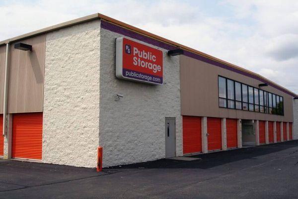 Public Storage - Roseville - 30340 Gratiot Ave 30340 Gratiot Ave Roseville, MI - Photo 1
