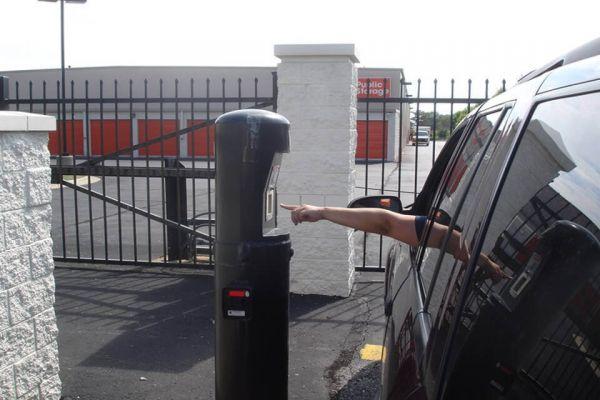 Public Storage - Roseville - 30340 Gratiot Ave 30340 Gratiot Ave Roseville, MI - Photo 4