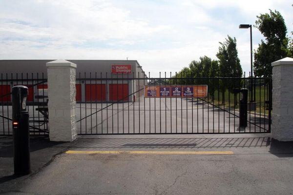 Public Storage - Roseville - 30340 Gratiot Ave 30340 Gratiot Ave Roseville, MI - Photo 3