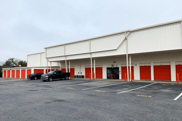 Public Storage - Bethpage - 4113 Hempstead Turnpike 4113 Hempstead Turnpike Bethpage, NY - Photo 1