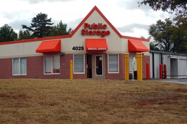 Public Storage - Charlotte - 4025 E WT Harris Blvd 4025 E WT Harris Blvd Charlotte, NC - Photo 0