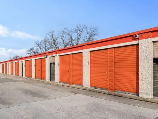 Public Storage - Burbank - 6990 W 79th Street 6990 W 79th Street Burbank, IL - Photo 1