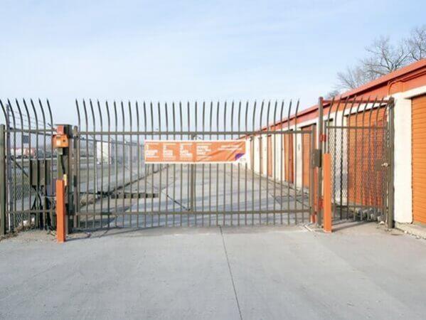 Public Storage - Burbank - 6990 W 79th Street 6990 W 79th Street Burbank, IL - Photo 3