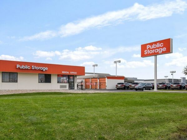 Public Storage - Palatine - 1385 E Dundee Road 1385 E Dundee Road Palatine, IL - Photo 0