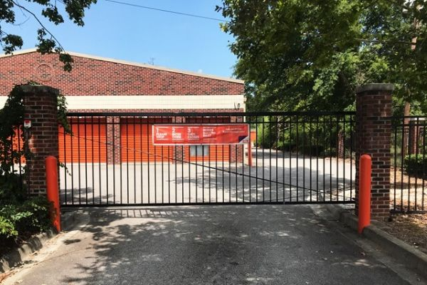 Public Storage - Cayce - 540 Knox Abbott Dr 540 Knox Abbott Dr Cayce, SC - Photo 3