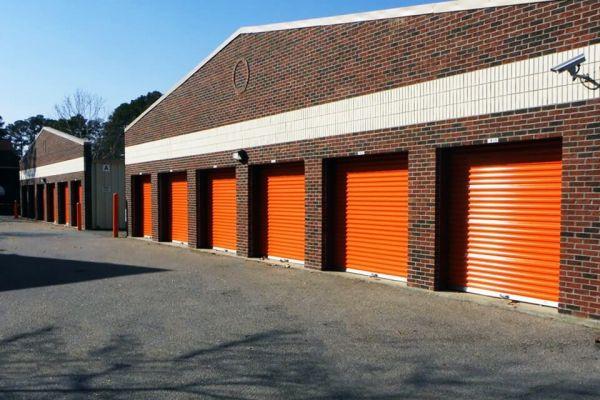 Public Storage - Cayce - 540 Knox Abbott Dr 540 Knox Abbott Dr Cayce, SC - Photo 1