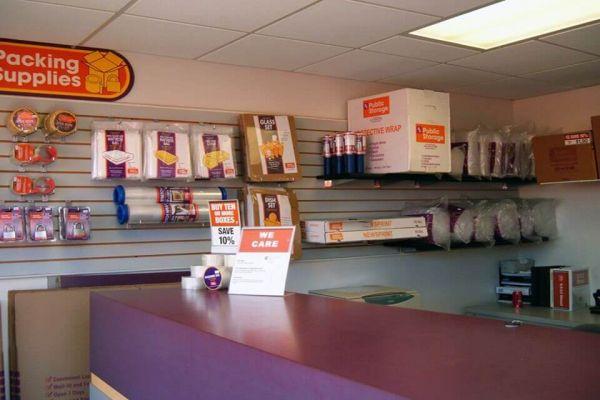 Public Storage - Gretna - 3000 Belle Chasse Hwy 3000 Belle Chasse Hwy Gretna, LA - Photo 2