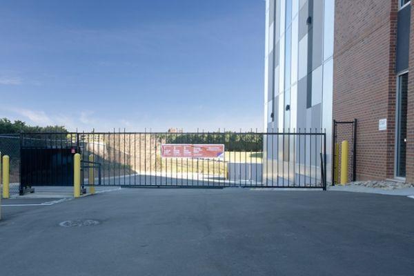 Public Storage - Charlotte - 969 E 7th St 969 E 7th St Charlotte, NC - Photo 2