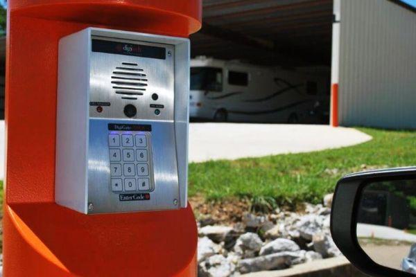 Public Storage - Chattanooga - 6497 E Brainerd Road 6497 E Brainerd Road Chattanooga, TN - Photo 4