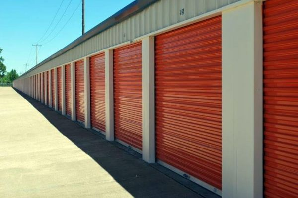Public Storage - Chattanooga - 6497 E Brainerd Road 6497 E Brainerd Road Chattanooga, TN - Photo 1