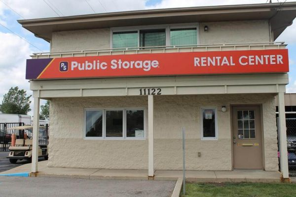 Public Storage - West Allis - 11122 W Lincoln Ave 11122 W Lincoln Ave West Allis, WI - Photo 1