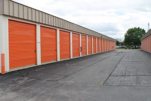 Public Storage - West Allis - 11122 W Lincoln Ave 11122 W Lincoln Ave West Allis, WI - Photo 1