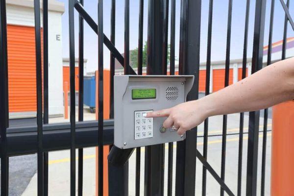 Public Storage - Rolling Meadows - 2401 Lois Drive 2401 Lois Drive Rolling Meadows, IL - Photo 4
