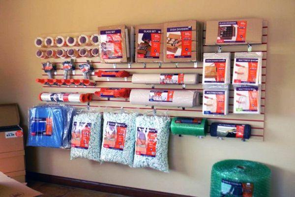 Public Storage - Hilliard - 2221 Hilliard Rome Rd 2221 Hilliard Rome Rd Hilliard, OH - Photo 2