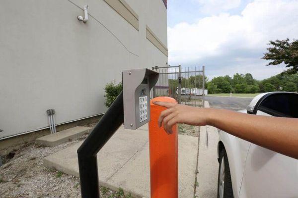 Public Storage - Hanover Park - 2620 W Lake Street 2620 W Lake Street Hanover Park, IL - Photo 4