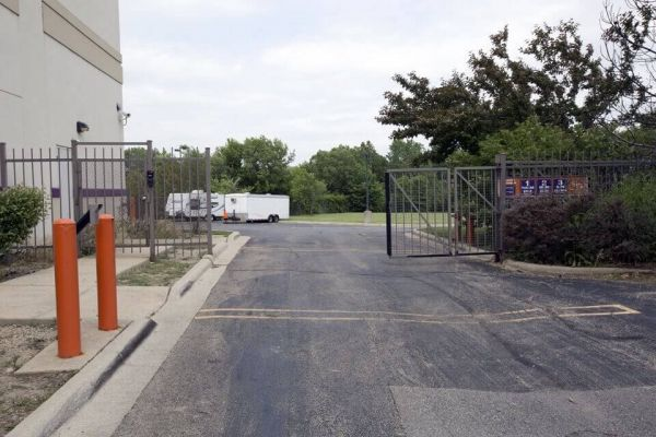 Public Storage - Hanover Park - 2620 W Lake Street 2620 W Lake Street Hanover Park, IL - Photo 3