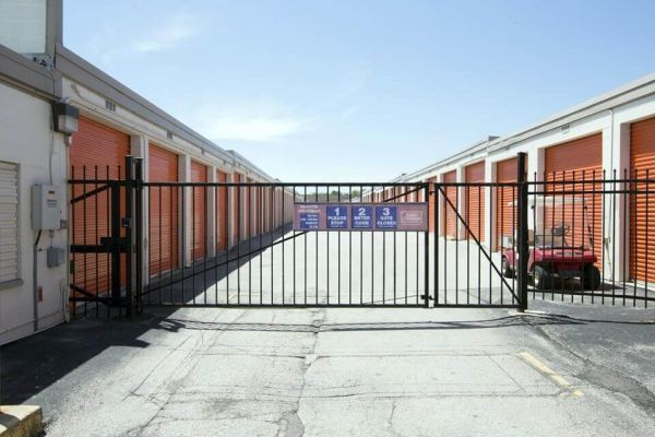 Public Storage - Rolling Meadows - 945 Rohlwing Road 945 Rohlwing Road Rolling Meadows, IL - Photo 3