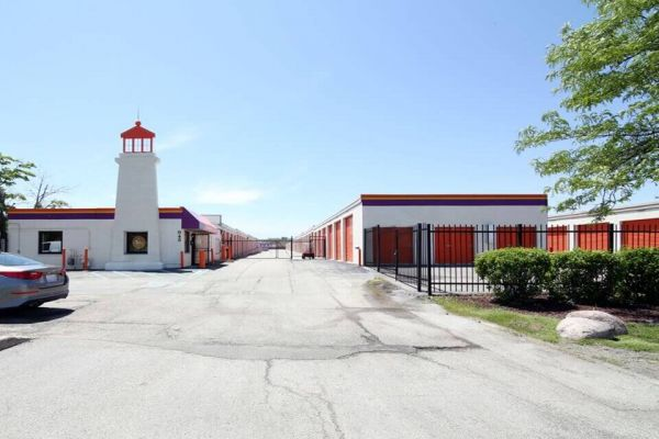 Public Storage - Rolling Meadows - 945 Rohlwing Road 945 Rohlwing Road Rolling Meadows, IL - Photo 0