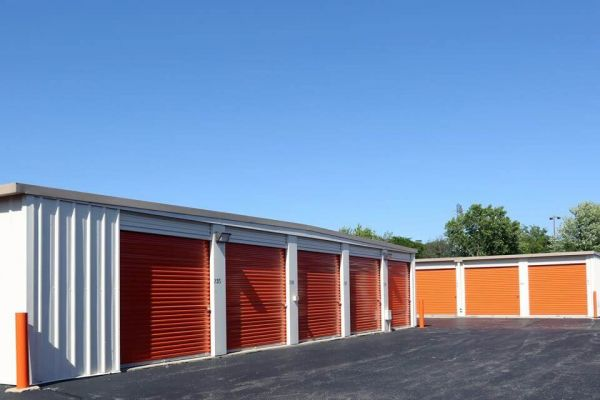 Public Storage - Elgin - 1300 East Chicago Street 1300 East Chicago Street Elgin, IL - Photo 1