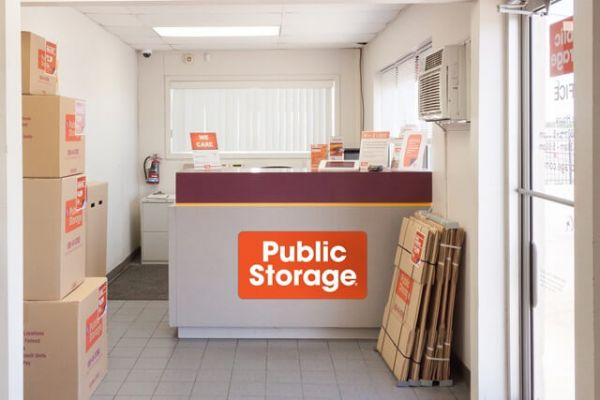 Public Storage - Wichita - 206 E MacArthur Road 206 E MacArthur Road Wichita, KS - Photo 2