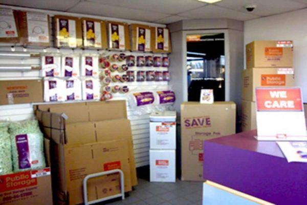 Public Storage - Hazelwood - 6030 N Lindbergh Blvd 6030 N Lindbergh Blvd Hazelwood, MO - Photo 2