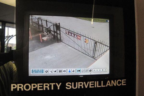 Public Storage - Hazelwood - 6030 N Lindbergh Blvd 6030 N Lindbergh Blvd Hazelwood, MO - Photo 3