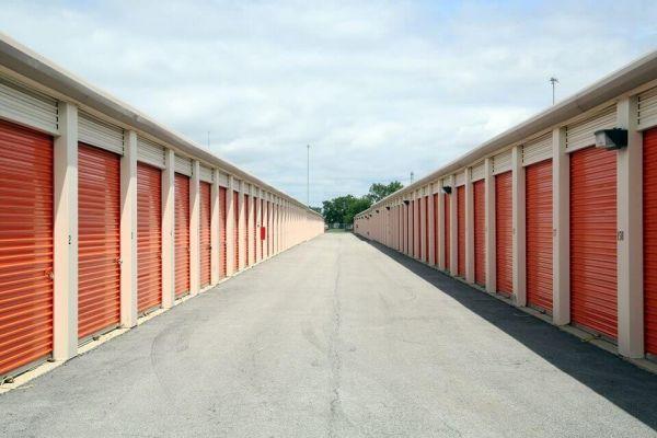 Public Storage - Elmhurst - 297 W Lake St 297 W Lake St Elmhurst, IL - Photo 1
