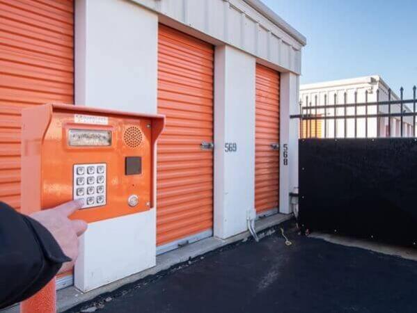 Public Storage - Schaumburg - 2400 Palmer Drive 2400 Palmer Drive Schaumburg, IL - Photo 4