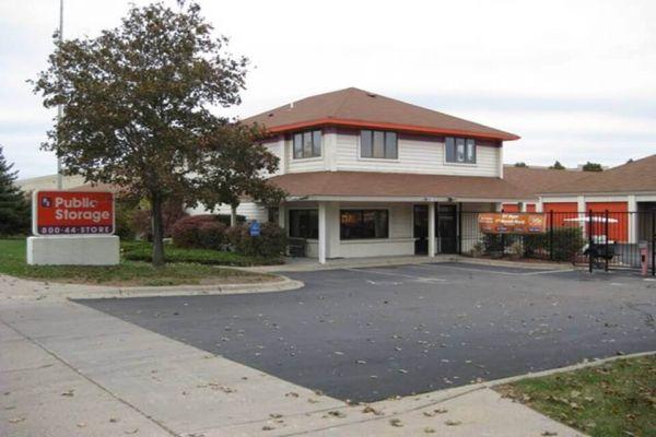 Public Storage - Coon Rapids - 10201 Woodcrest Drive NW