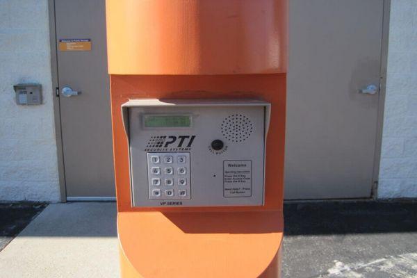 Public Storage - Waukesha - N5W22966 Bluemound Rd N5W22966 Bluemound Rd Waukesha, WI - Photo 4