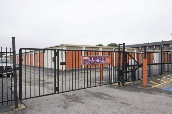 Public Storage - Elk Grove Village - 2901 Touhy Ave 2901 Touhy Ave Elk Grove Village, IL - Photo 3