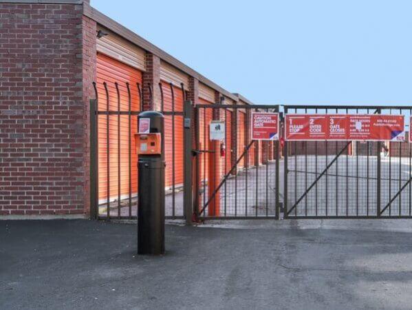Public Storage - Chicago - 2101 W Howard Street 2101 W Howard Street Chicago, IL - Photo 4