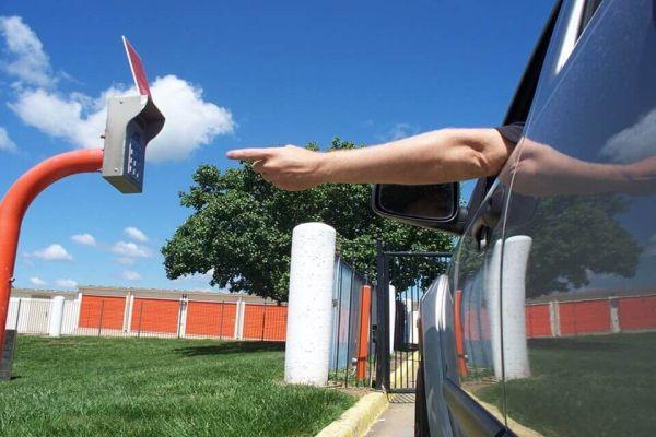Public Storage - Raytown - 7900 Woodson Road 7900 Woodson Road Raytown, MO - Photo 4