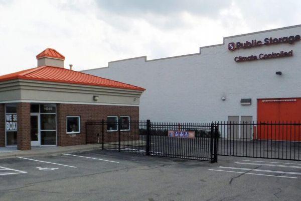 Public Storage - Burnsville - 14250 W Burnsville Parkway 14250 W Burnsville Parkway Burnsville, MN - Photo 0