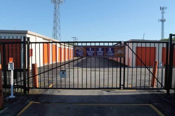 Public Storage - Milwaukee - 900 W Layton Ave 900 W Layton Ave Milwaukee, WI - Photo 3